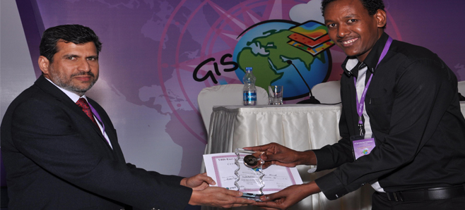 M.Sc. (Geoinformatics) 2013-14 student receives Best Oral Presentation Award in the 14th ESRI India User Conference